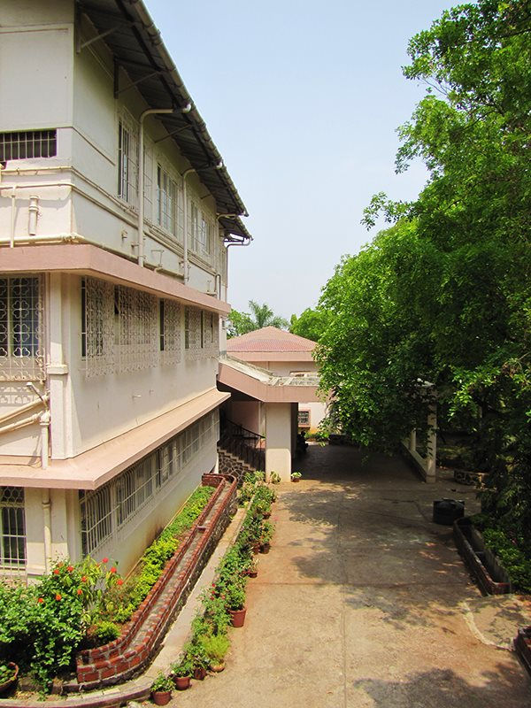 sadhana-institute-building